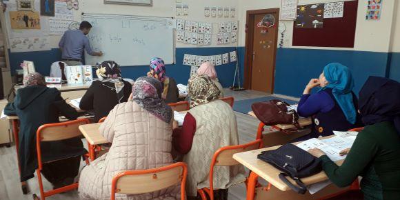 Karaman Mehmet Çavaş İlkokulunda okuma yazma seferberliği başladı