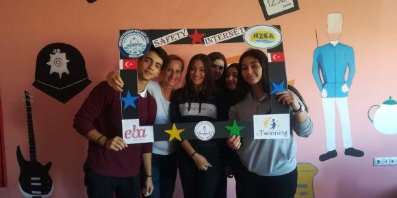 Mersin Hacı Zarife Çelebi Aygar Anadolu Lisesi 3 Aralık Engelliler Günü'nü kutladı