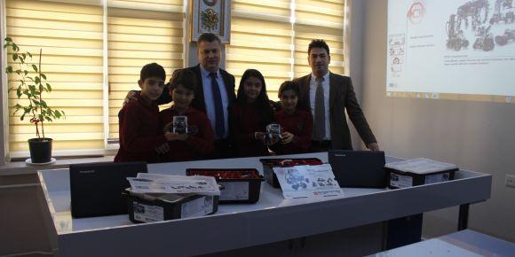 Salihli Kudret Demir Ortaokulu Robot ve Kodlama kulübü