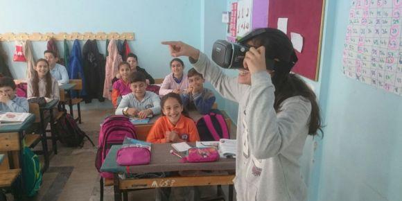 Manyas Atatürk Ortaokulu sanal gerçeklik uygulamaları