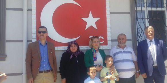 Şehit ailelerini ve kabirlerini ziyaret ettik
