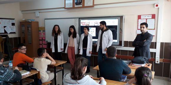 OMÜ Diş Hekimliği Fakültesi öğrencilerinden Anafartalar Ortaokuluna ziyaret