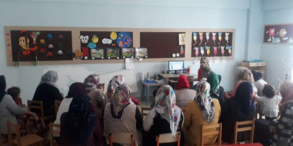 Nizip Zübeyde Hanım Anaokulu veli eğitimi