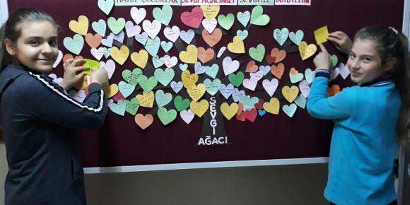 Değerler Eğitimi Sevgi Ağacı Panomuz