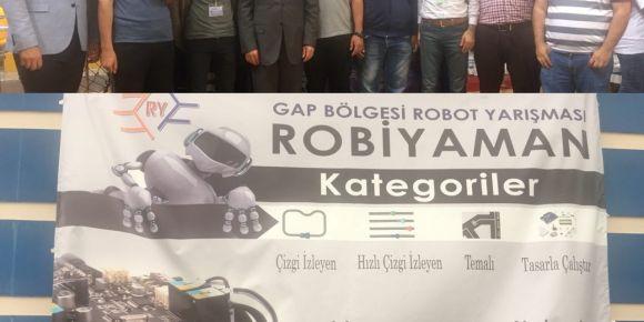 ROBİYAMAN GAP Bölgesi Robot Yarışmasında okulumuz birinci oldu