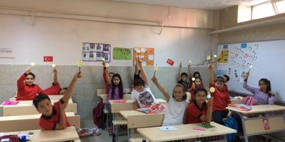 5.Sınıf öğrencilerine uyum eğitimi yapılmıştır