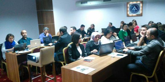 Bursa Nilüfer ilçesinde öğretmenlere minecraft education eğitimi verildi