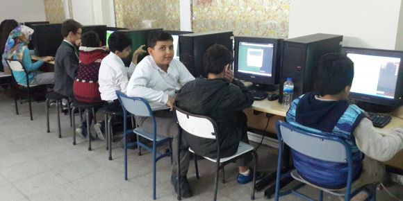 Plevne Ortaokulu hackercan ile kodluyor