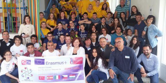 Defne Necmi Asfuroğlu Anadolu Lisesi öğretmen ve öğrencileri Çek Cumhuriyeti'nde