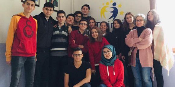 """Isparta Halıkent Anadolu Lisesinden """"Akran Zorbalığı"""" konulu eTwinning Projesi"""
