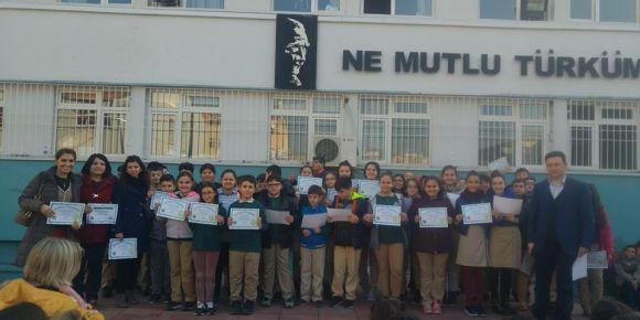 Yunusemre Atatürk Ortaokulu  öğrencileri  4-12 Aralık  Hour Of Code etkinliğine katıldı
