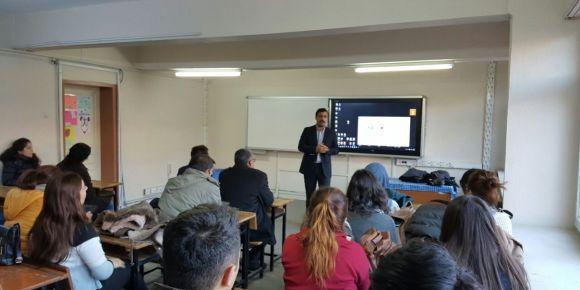 Etkileşimli tahta kullanımı ve EBA'nın tanıtımı seminerleri