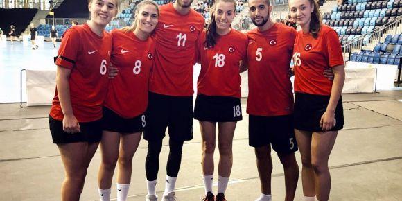 İstanbul Kadıköy Lisesi öğrencileri Budapeşte U21 Dünya Korfbol Şampiyonasında...
