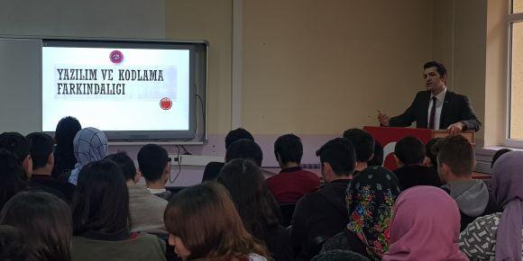 """Daday Çok Programlı Anadolu Lisesi öğrencileriyle """"yazılım ve kodlama"""" üzerine söyleşi"""