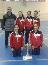 Trabzon Beşirli İMKb Ortaokulu Yıldız Kızlar Badminton Takımı Türkiye yarı finallerinde.