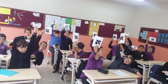 Fatih Sultan Mehmet İmam Hatip Ortaokulu öğrencileri plickers uygulaması Yaptı