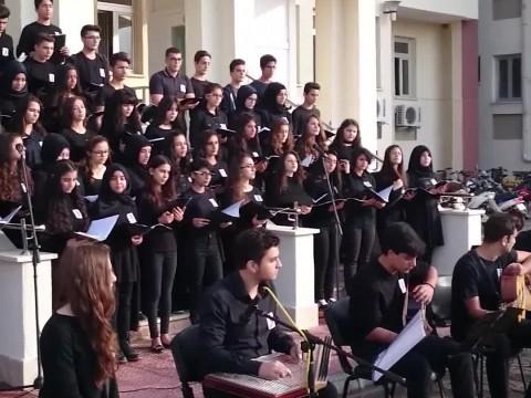Kepez Anadolu Lisesi 10 Kasım Korosu izle